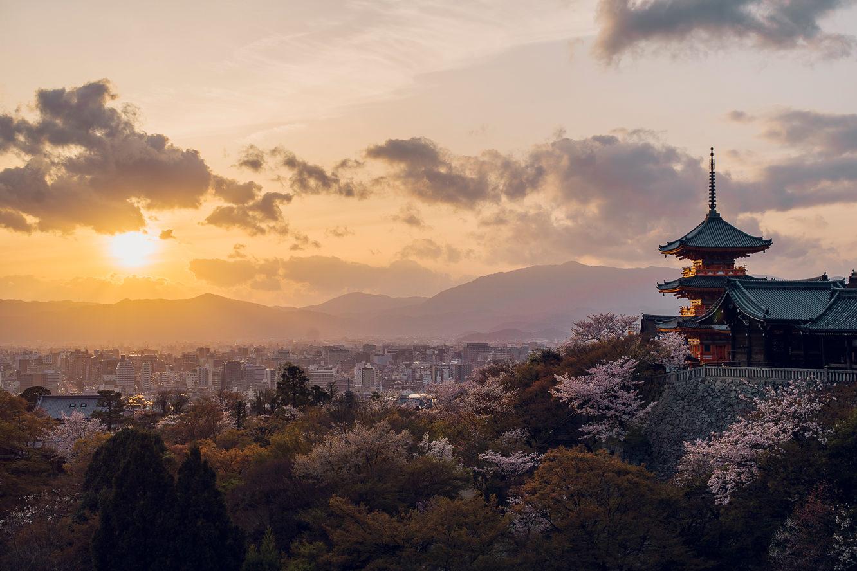 【日本】關西五日套裝,兩種方案任您選~每人只要25000元,輕鬆遊遍大阪、京都、奈良、神戶