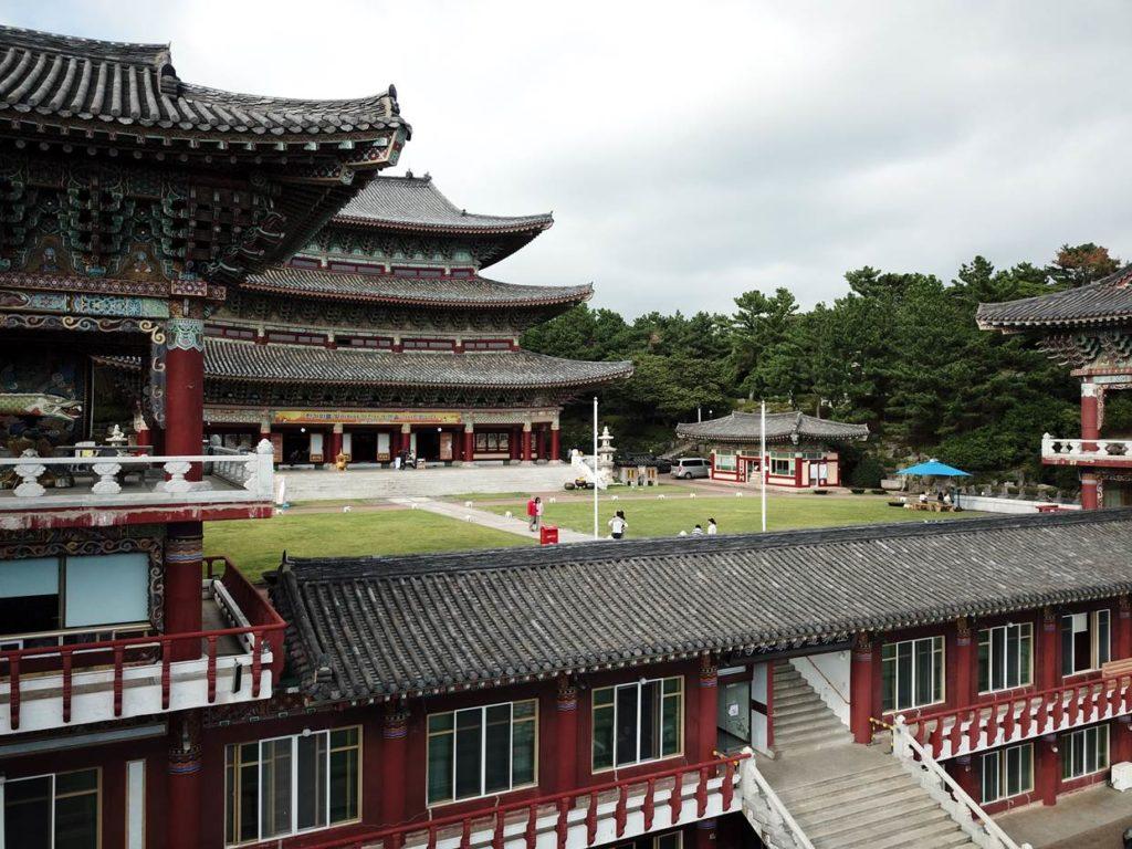 【韓國】濟州島熱情夏日五日遊~在地中文司機帶您深度遊覽濟州島,嚴選精緻飯店,讓您一次盡享美景及度假,每位只要台幣25000元起!