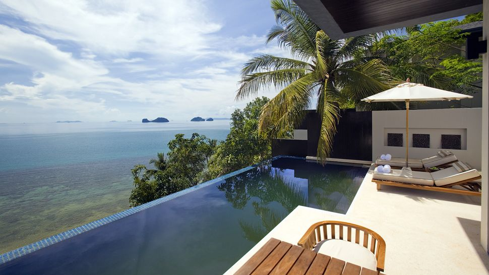 008605-05-private-infinity-pool-sea-view
