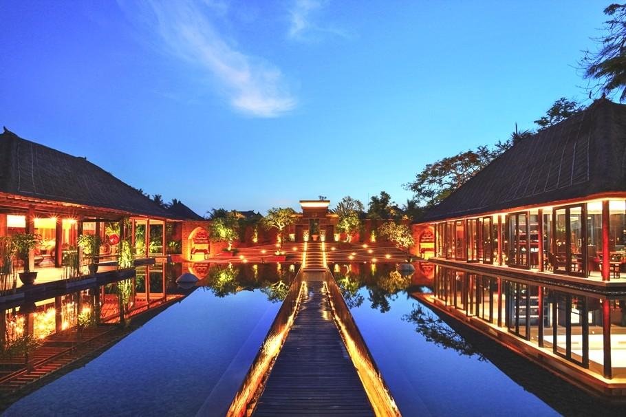 巴里島Amarterra Villas Nusa Dua~兼具日式傳統及古典風情的頂級別墅,3分鐘步行到海灘,超美的日出!