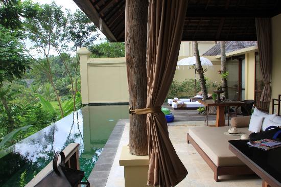 komaneka-at-bisma-one-bedroom-pool-villa-with-view-Bali-Hello-Travel