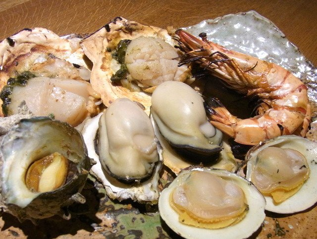 福岡在地美食:長浜鮮魚市場、糸島牡蠣吃到飽、果園採果、太宰府天滿宮