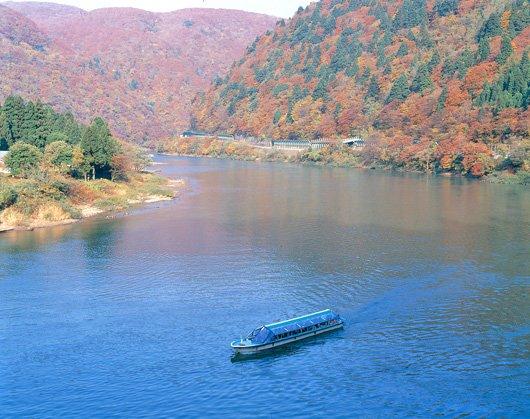 最上川遊船