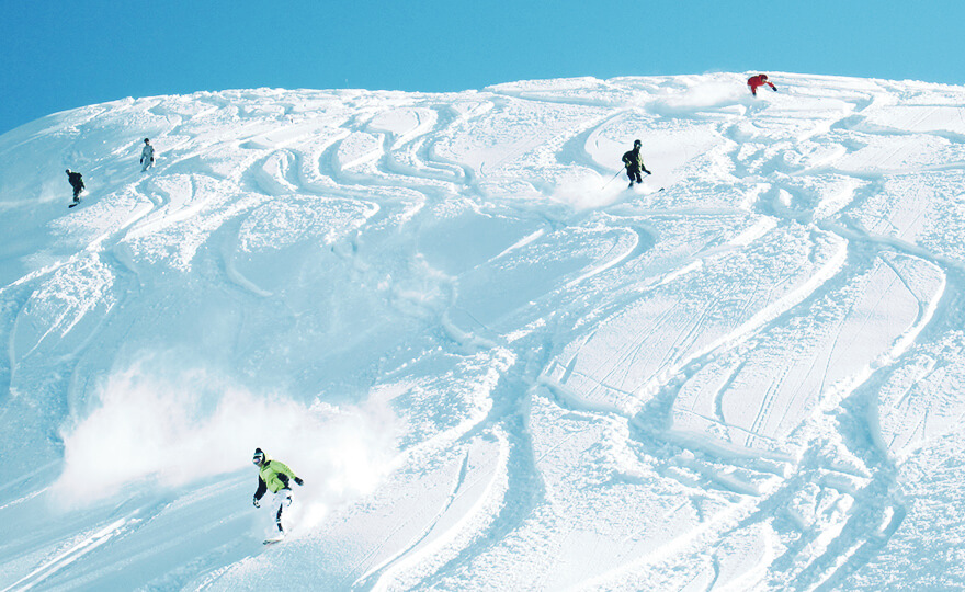 【日本】名古屋木曾路滑雪五日遊~輕鬆悠遊奥伊吹滑雪場,在地中文司機帶您探訪馬籠宿、妻籠宿、名花之里絕美花藝,每位只要台幣26000元起!